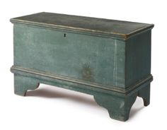 A diminutive Federal Blue-Gray Painted pine Blanket Chest, New England, Circa 1810 - Sotheby's