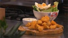 Recept: kibbeling met ravigotesaus en Hollandse sla