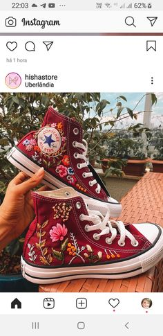 Embroidery On Clothes, Cute Embroidery, Embroidered Clothes, Embroidery Sneakers, Aesthetic Shoes, Aesthetic Clothes, Look Patches, Mode Converse, Custom Shoes