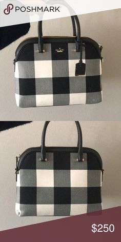 Kate spade Gingham Purse Super chic Kate Spade bag, brand new, great condition kate spade Bags Totes