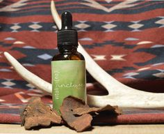 """Made from He Shou Wu. """"Youth-giving tonic"""" has a restorative nature and helps to strengthen bones, teeth and hair. Also tonifies Liver and Kidney Qi. Natural Remedies, Bones, Teeth, Detox, Herbs, Nature, Hair, Naturaleza, Natural Treatments"""