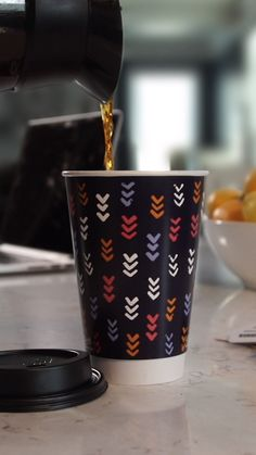 The cup that can keep up with those busy mornings and long commutes—the new Chinet Comfort Cup is your go-to cup for life on the move. Good Morning Coffee, Great Coffee, Cocktail Drinks, Cocktails, Tea Gif, To Go Coffee Cups, Coffee Quotes Funny, Cocktail Videos, Coffee Photos