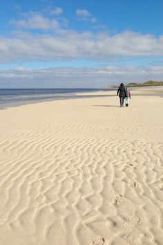 OHHHHH .... ::tuggin on sleeve:: .... can you EVEN immagine it!!!! #bliss .... #Sylt #Beach in northern Germany