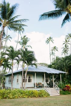 🌟Tante S!fr@ loves this📌🌟Waimea Plantation Cottages on Kauai, Hawaii Surf Shack, Beach Shack, Beach Cottage Style, Beach House Decor, Coastal Style, Coastal Cottage, Coastal Homes, Surf House, Houses Architecture