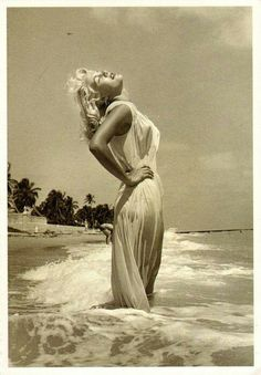 Beautiful Marilyn Monroe, in this exact picture, stunning!