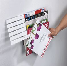 Nice And New: Umbra Illuzine Magazine Rack