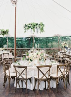 Chic farm wedding reception: http://www.stylemepretty.com/2016/03/24/chic-backyard-farm-wedding-in-washington/ | Photography: O'Malley Photographers - http://omalleyphotographers.com/