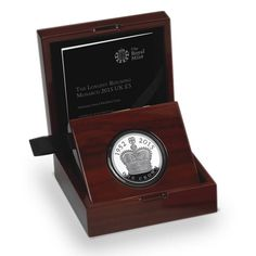 The Longest Reigning Monarch 2015 UK Platinum Proof Coin Coin Store, Mint Coins, Proof Coins, Uk 5, Coin Collecting, Box Packaging, British Isles, Wooden Boxes, Old And New