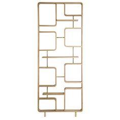 Séparer l'espace avec légèreté, c'est ce que propose Red Edition avec ce claustra ajouré en bois et laiton. Mais pas seulement. Il est aussi un élément décoratif qui peut se glisser dans tous les intérieurs avec élégance. H. 240 x l. 90 cm, disponible sur commande.