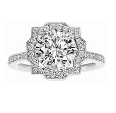 I normally like square rings. but this is gorgeous!