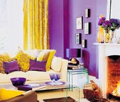 25 Cozy Interior Room Design Ideas With Purple Walls Living Room Decor Purple, Purple Rooms, Purple Walls, Living Room Colors, New Living Room, Living Room Designs, Deco Violet, Salons Violet, House Design