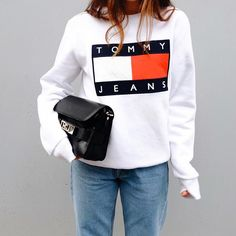 Brand new with tags Tommy Hilfiger women's sweatshirt. Part of our Tommy Jeans collection. Sueter Tommy Hilfiger, Tommy Hilfiger Mujer, Tommy Hilfiger Women, Tommy Hilfiger Outfit, Tommy Hilfiger Jeans, Tommy Hilfiger Sweatshirt, Tommy Jeans Sweatshirt, Street Style Outfits, Casual Outfits