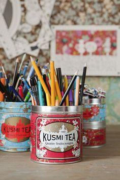 What an a great way to reuse a Kusmi tea tin! Brick Room, My Art Studio, Tea Tins, Home And Deco, Home Interior, Diy, Decoration, Getting Organized, Craft Supplies
