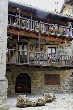 Rupit.....   Balcones y detalles ~Lovely Middle Age town,  Osona  Catalonia