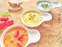 Vegane Kräuterbutter und Grillbutter schnell selbst machen: Bärlauchbutter, Currybutter, Tomatenbutter: http://einfachstephie.de/2015/05/08/vegane-kraeuterbutter-selbst-machen-3-varianten/