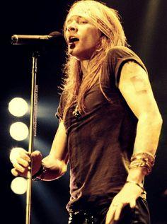 best pic of axl rose★, Guns N Roses Guns N Roses, Rock N Roll, Metallica, The Duff, Classic Rock, American Singers, Record Producer, Music Bands, Rock Music