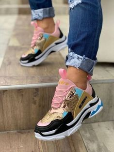 Adorable Women Sneakers from 34 of the Surprisingly Cute Women Sneakers collection is the most trending shoes fashion this season. This Women Sneakers look related to sneakers, sneakers nike… Hype Shoes, Women's Shoes, Me Too Shoes, Shoe Boots, Shoes Sneakers, Sneakers Women, Shoes Style, Flat Shoes, Casual Shoes