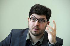 Lauer kritisiert Mittelmäßigkeit der Piraten im Bund  Der Piraten-Fraktionschef sagt, der Bundesvorstand schaffe es nicht, die Positionen der Partei in aktuellen Debatten einzubringen.