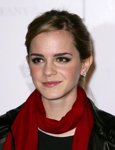 Emma Watson Smoky Eyes -   Emma Watson donned a smoky cat eye for this dramatic look.