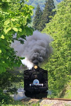 ばんえつ物語号 磐越西線を新緑の季節に蒸気機関車C57_180が走る!