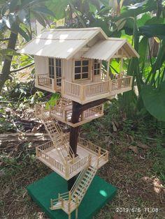 Miniatur rumah pohon sederhana dari stik es cream Woodworking Bench, Bird Feeders, Benches, Playground, Ava, Iphone Wallpaper, Gazebo, Clever, Antiques