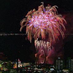 【sakya_0821】さんのInstagramをピンしています。 《. 🌸夏の桜🌸 (加工前) . #第34回全国新作花火競技大会 ← #fireworks #HANABI#japan#Nagano#summer#sakura#諏訪湖#諏訪市#花火#新作花火#夏#桜#長野県#長野》