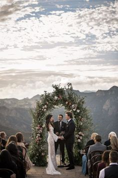We Can't Decide Which We Love More - The Elegant Opulence or Epic Views in This Malibu Rocky Oaks Wedding - The breathtaking views + moody romantic feel of this Malibu wedding are what dreams are made of Perfect Wedding, Dream Wedding, Wedding Day, Luxury Wedding, Rustic Wedding, Wedding Places, Wedding Destinations, Destination Wedding Locations, Wedding Goals