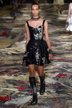 Alexander McQueen | Ready-to-Wear Spring 2017 | Look 23