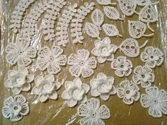 Irish crochet applique - Flower motif - Gift idea, Crochet - Lace Irish Crochet, Crochet Lace, Flower Motif, Clay Texture, Knitted Flowers, Irish Lace, Beautiful Roses, Little Gifts, Crochet Projects
