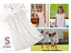 Nuestro camisón Kassia, uno de los exquisitos modelos para niña que podréis encontrar en Novias Cira, Sevilla. Un regalo ideal para las peques que van a hacer la Primera Comunión. #entretodospodemos
