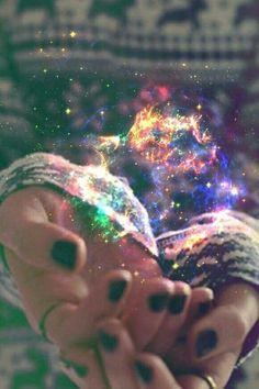 """""""...Quiero vivir, quiero gritar, quiero sentir el universo sobre mí, quiero correr en libertad, quiero llorar de felicidad; quiero vivir, quiero sentir el universo sobre mí, como una náufrago en el mar quiero encontrar mi sitio..."""""""