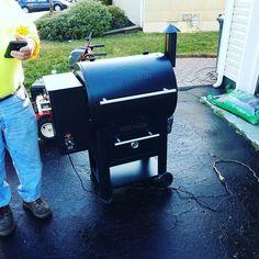 Test driving the new smoker! #traeger #traegergrills #smokelife #pellets Reposted Via @jhaughcranes