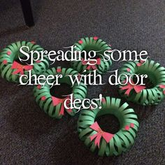 'Tis the Season! Christmas Wreaths Door Decs!