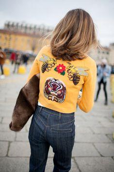 awesome They Are Wearing: Milan Fashion Week Fall 2016 Casual Fashion Trends, Fashion News, Fashion Outfits, Milan Fashion Week Street Style, Milan Fashion Weeks, Vogue, Bcbg, Yellow Fashion, Mode Inspiration