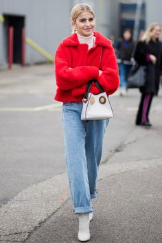10 ways to wear white boots this spring - HarpersBAZAARUK Winter Outfits Casual Cold, Winter Outfit For Teen Girls, Winter Boots Outfits, Winter Outfits For Work, Outfits For Teens, Casual Outfits, Outfit Winter, Fall Outfits, Booties Outfit