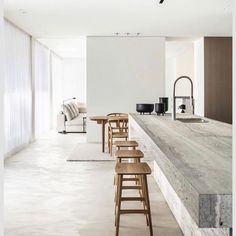 White walls the most used element in minimalist contemporary design. The ideal canvas for textural elements of design. Don't you just love the beauty of white walls? CLICK THE LINK IN THE H Interior Design Minimalist, Best Interior, Modern Interior Design, Interior Design Inspiration, Interior Architecture, Interior Lighting Design, Stone Interior, Top Interior Designers, Apartment Interior Design