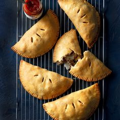 Upper Peninsula Pasties recipe: I grew up in Michigan's Upper Peninsula, where many people are of English ancestry. Pasties—traditional meat pies often eaten by hand—are popular there. Meat Recipes, Cooking Recipes, Dinner Recipes, Cooking Pasta, Oven Cooking, Party Recipes, Restaurant Recipes, Turkey Recipes, Recipes