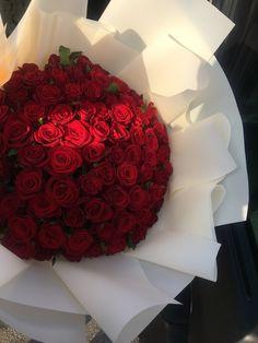 Boquette Flowers, Luxury Flowers, Flower Boxes, My Flower, Pretty Flowers, Fresh Flowers, Bild Girls, Flowers Instagram, Flower Aesthetic