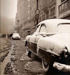 Francesc Catalá-Roca / Gran Vía nevada, Madrid, 1950