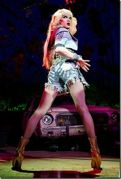 Neil-Patrick-Harris---Hedwig-and-the-Angry-Itch---stage-USA---2014