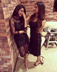 Jasmine bhasin and mouni roy