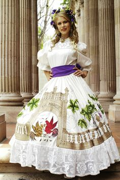 Another version of the regional dress of Aguascalientes with shorter sleeves and different deshilado.