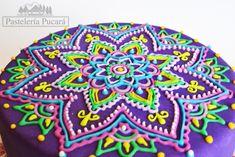 mandala cake Cake Decorating Techniques, Cake Decorating Tips, Cookie Decorating, Pretty Cakes, Cute Cakes, Mandala Cake, Henna Cake, Decors Pate A Sucre, Decoration Patisserie