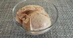 Glace au chocolat au lait et noix de pécan à la turbine ou sorbetière. Une glace gourmande. La recette par My Culinary Curriculum.