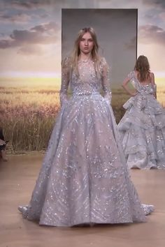 Ziad Nakad Look Spring Summer 2018 Haute Couture Collection Gorgeous Embroidered Blue Gray A-Lane Evening Dress / Evening Ball Gown with Long Sleeves and a Train. Runway Show by Ziad Nakad Dresses Elegant, Pretty Dresses, Beautiful Dresses, Casual Dresses, Formal Dresses, Grey Bridesmaid Dresses, Prom Dresses, Shrug For Dresses, Bridal Outfits