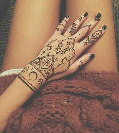 Tattoo arm simple mehndi designs 21 ideas for 2019 Henna Tattoo Hand, Henna Tattoo Designs, Henna Tattoos, Mandala Tattoo Design, Finger Tattoos, Body Art Tattoos, Henna Inspired Tattoos, Unique Mehndi Designs, Henna Designs Easy