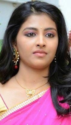 Beautiful Girl Indian, Most Beautiful Indian Actress, Beautiful Girl Image, Beautiful Saree, Beautiful Eyes, Most Beautiful Women, Trisha Krishnan, Saree Photoshoot, Vintage Bollywood