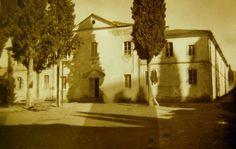 Buca İtalyan Kapuçin Katolik Papaz Okulu, İzmir. 1881 ile 1935 yılları arasında işlev görmüştür.