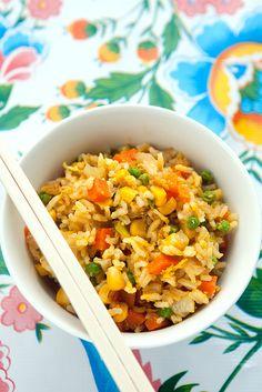 Simpele gebakken rijst met groentjes