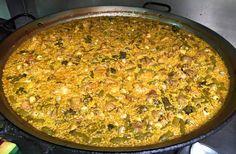 Hoy para comer con nuestros empleados, paella valenciana con alcachofas y caracoles!!! Te apetece venir a probarla??